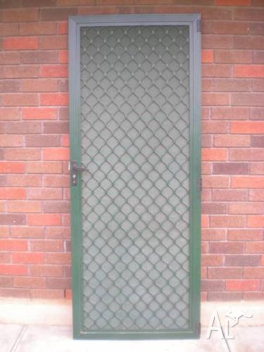 SECURITY SCREEN DOOR WITH SINGLE WAY VISION - HERITAGE