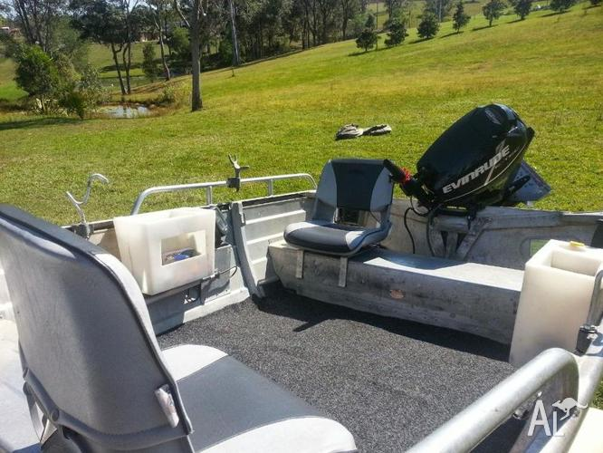 SELLING 3 9M STACER TINNIE WITH 25HP EVINRUDE E-TEC! for Sale in
