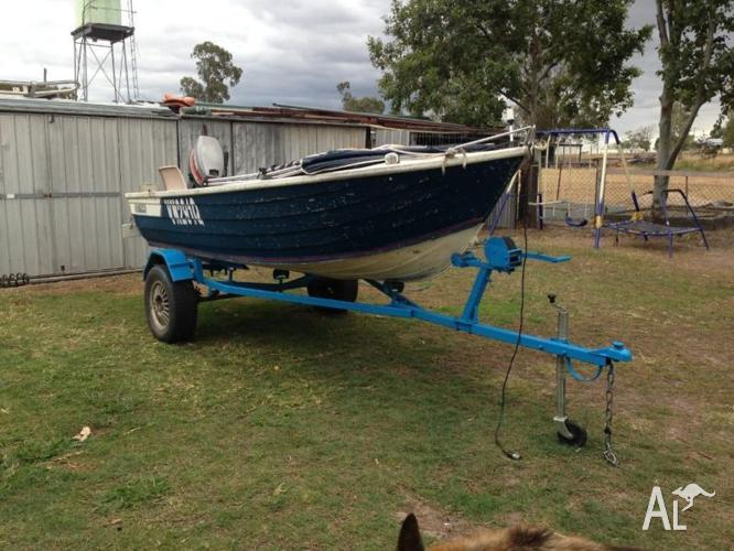 Selling 3.9mt 25hp tinnie with trailer