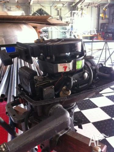 Selling cheap 10ft tinny 5hp motor $500