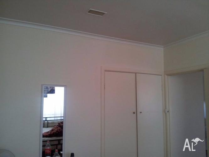 Sharing Room Available in Dandenong