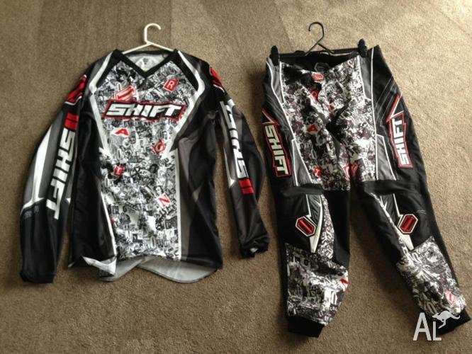 Shift motorbike gear