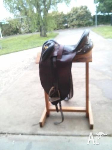 Sid Hill Stock Saddle