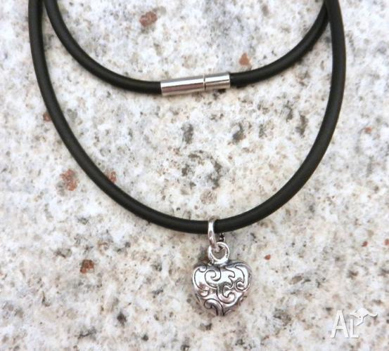 SILVER SCROLLED HEART PENDANT WITH A BLACK RUBBER 3MM