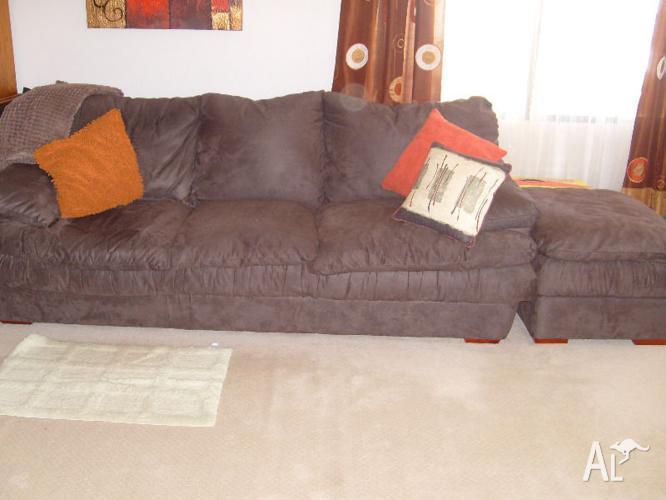 Sofa & Ottamans x 2