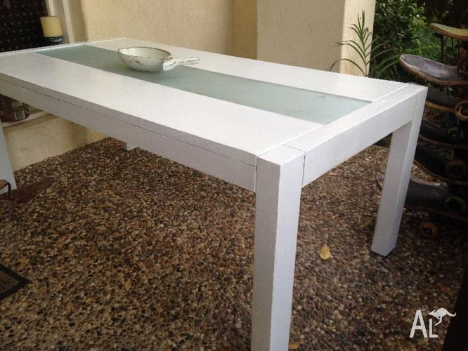 SOLID WOOD COFFEE TABLE BEACHY SHABBY FUNKY
