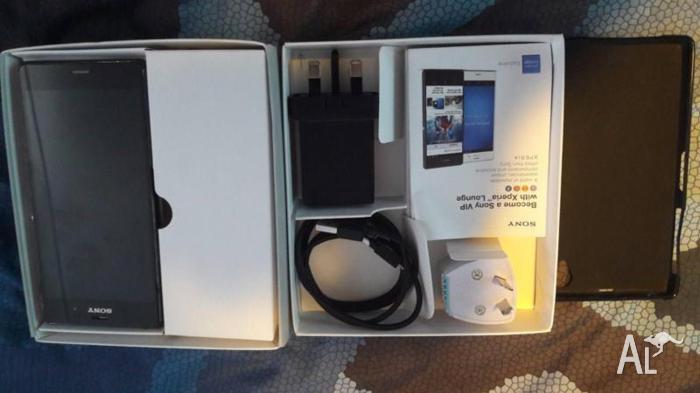 Sony xperia Z3 mobile with original box