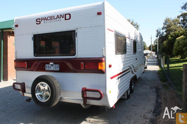 Spaceland 2006 caravan