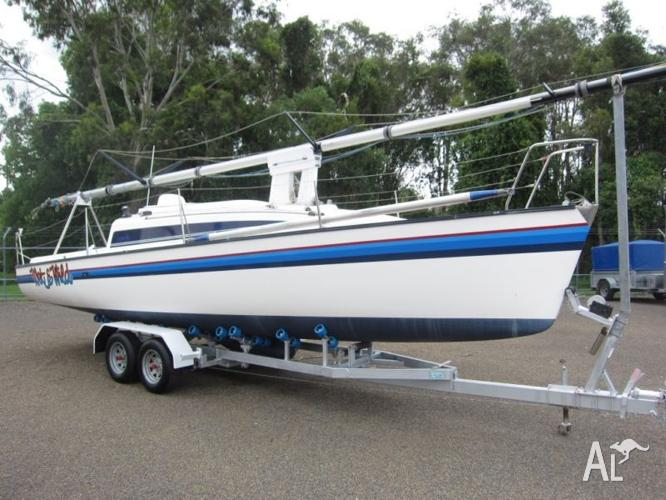 SPIDER 28 TRAILER SAILER