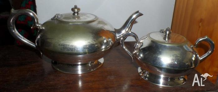 5d852d5bd61e9 Stamped Renown EPNS Silver Plate Tea  Coffee Pot + Sugar Bowl for ...