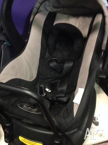 Steel Craft Baby Capsule- In good condition
