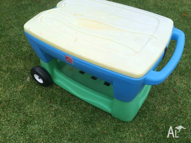 Step2 Water Table Sand Pit With Faded Cover. Wheels On