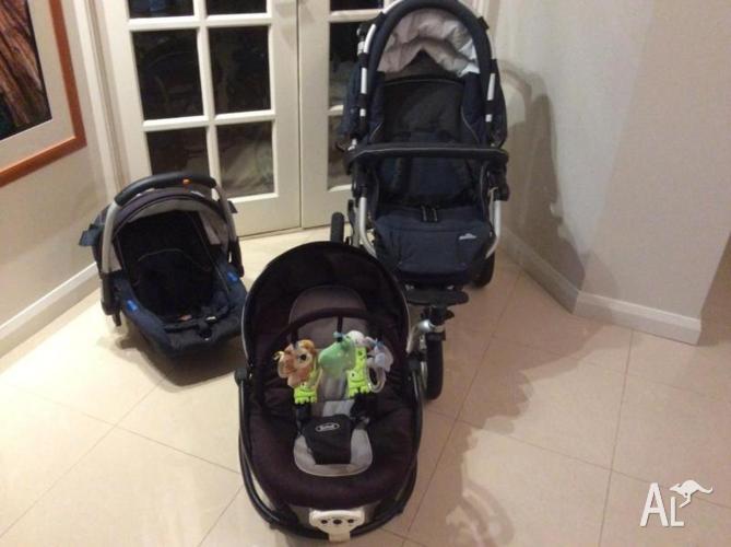 Stroller/capsule plus baby rocker - excellent!