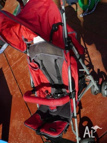 STROLLER - Convertable with removable parts
