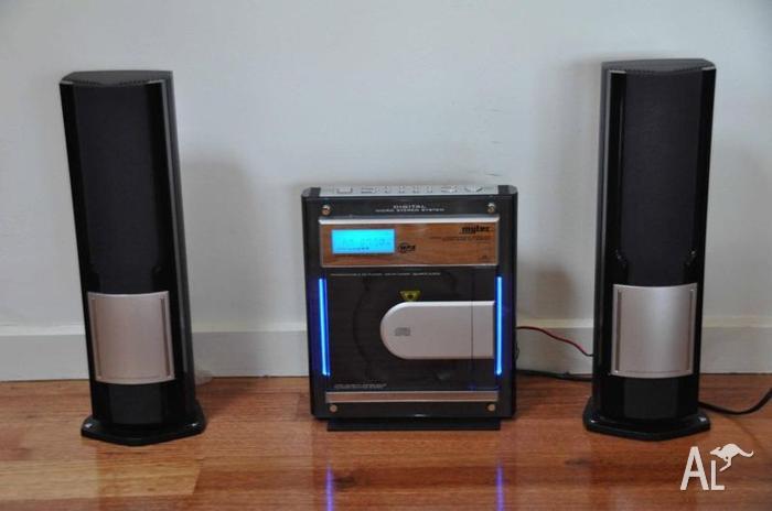 Stylish & Modern CD player/radio system