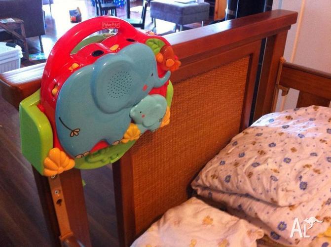 Sunbury coolum cot junior bed w mattress linen for Beds r us gympie