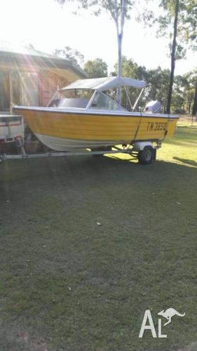 Sundowner Runabout Boat