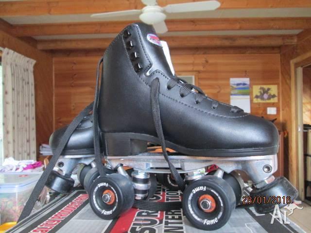 SURE GRIP black leather artistic skates Size 5