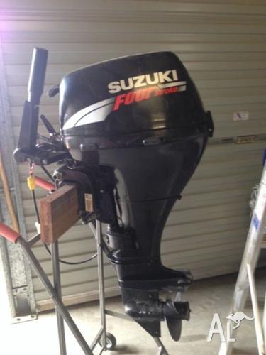 Suzuki 4 stroke Outboard motor 15hp for Sale in BILLA BILLA ...