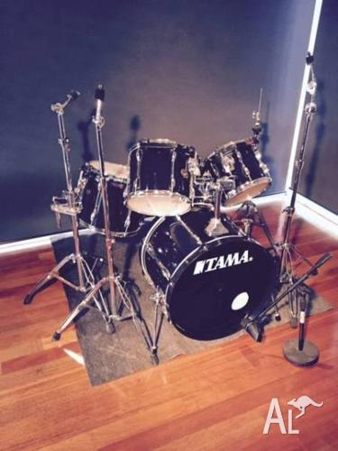 Tama 5 Piece Rockstar Drum Kit (road cases included)