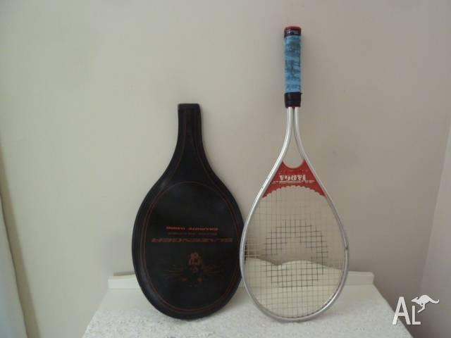 Tennis racket. Slazenger. Doesn't have the right cover,