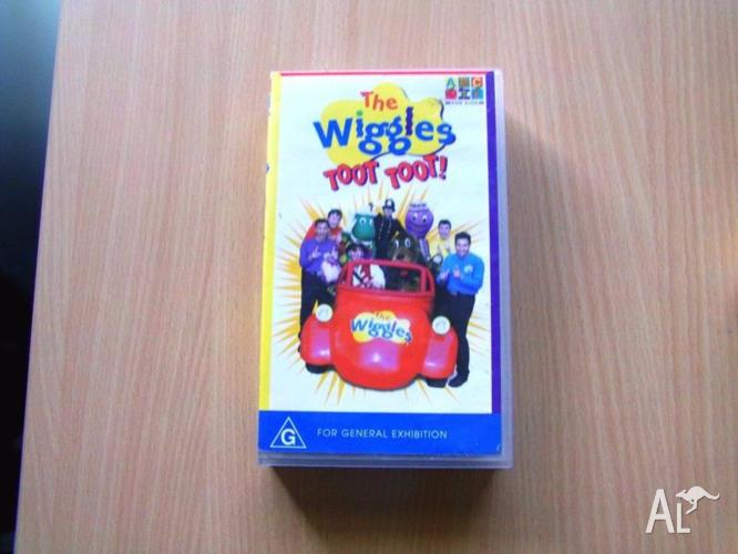 The Wiggles Toot Toot Children Video VHS CHEAP!