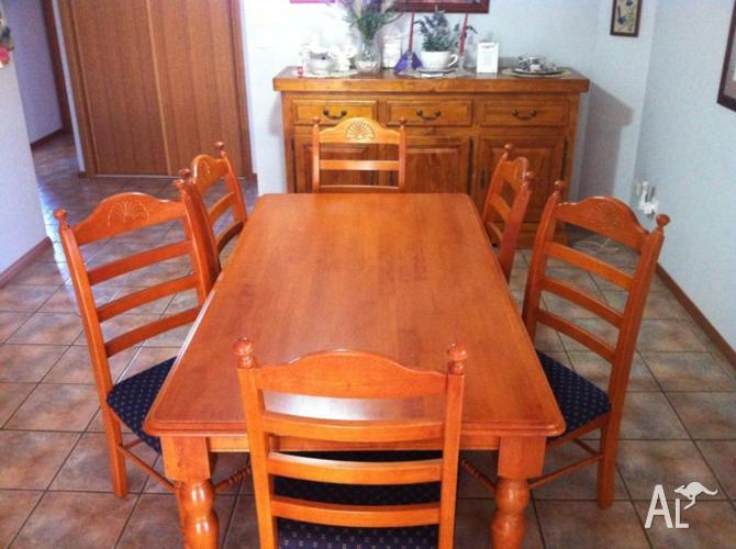 Timber Table & 6 Chairs