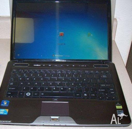 TOSHIBA Laptop, 3GB DDR3 Ram, i5 2.4GHZ, 250GB HDD