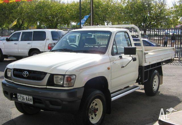 TOYOTA HILUX (4x4) KZN165R  2002