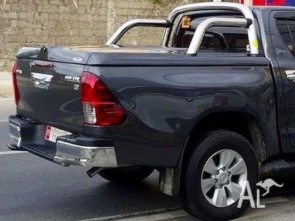 TOYOTA HILUX PREMIUM SPORTS LID WITH SPORTS BAR