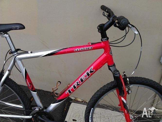 Trek 4400 Mountain Bike Size Large For Sale In Lewisham