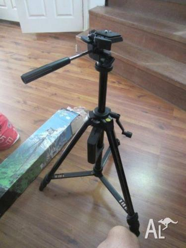 Tripod for camera/video
