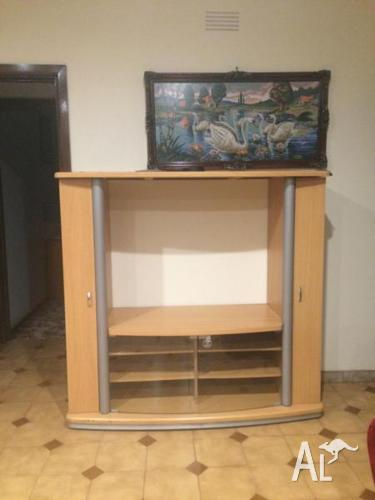 TV Unit 2nd Hand in Good Condition