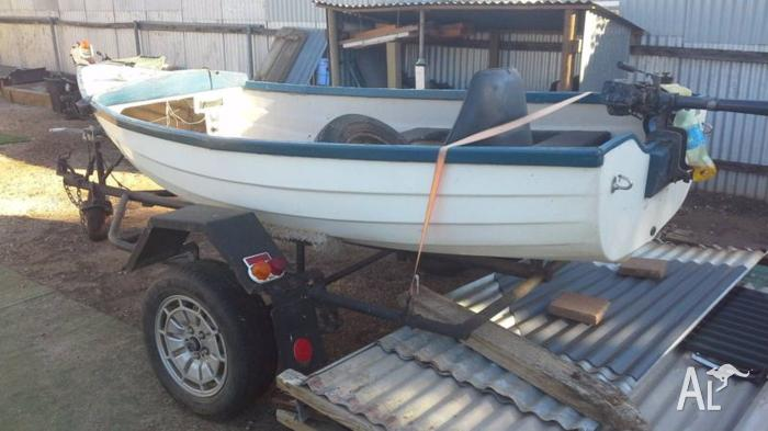 UNREGISTERED 12' BOAT AND TRAILER. ELIZ. STH.