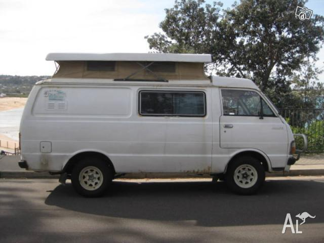 Urgent 1980 Pop top Toyota Hiace ono