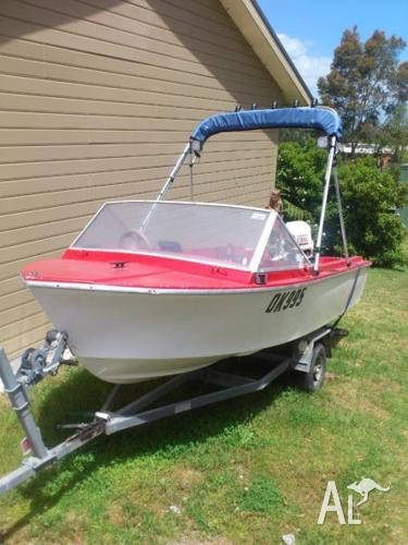 Urgent Sale, 4m fibreglass boat with all safety gear 11