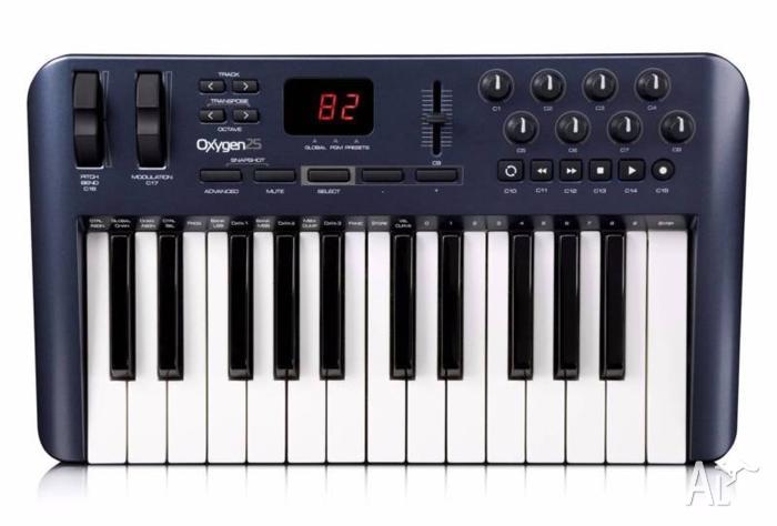 USB MIDI KEYBOARD CONTROLLER - M-AUDIO OXYGEN 25 3RD