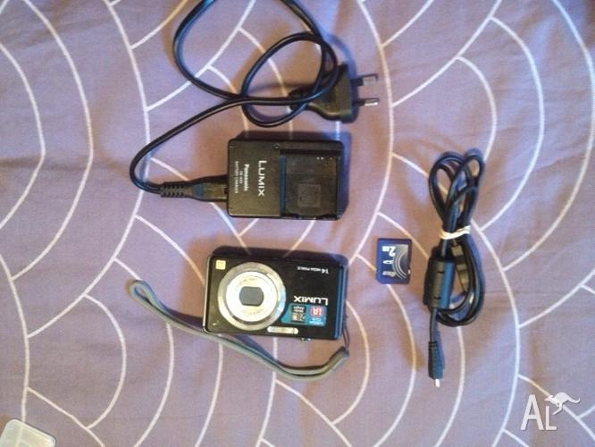 Used Lumix DMC-FH3 Digital Camera