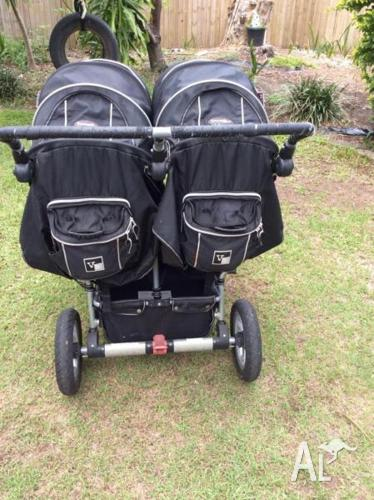 Valco runabout tri mode double / twin pram
