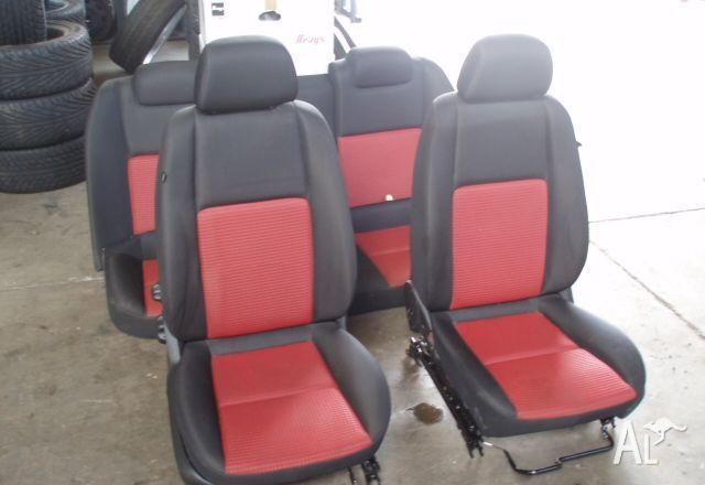 VE SV6 Holden Commodore interior