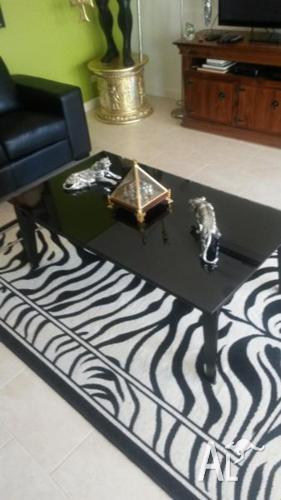 very nice black coffee table