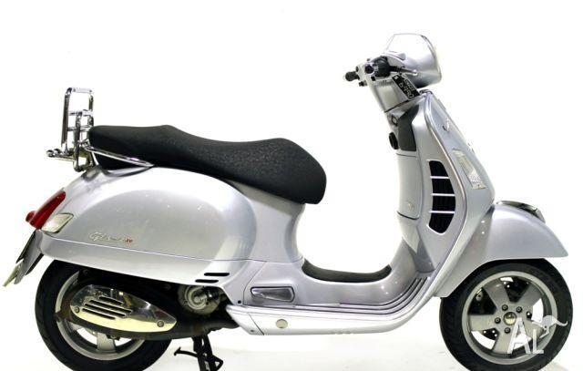 vespa gts 250ie 250cc 2005 for sale in sydney new south. Black Bedroom Furniture Sets. Home Design Ideas