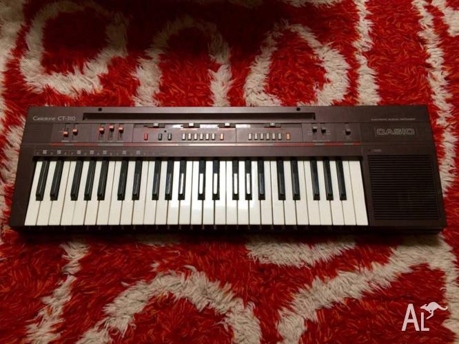 Vintage Casio Casiotone CT-310 Keyboard