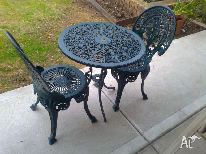 Vintage Cast Iron Garden Chairs Table Set 150