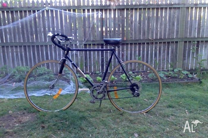 Vintage Malvern Star Road Bike