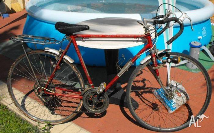 Vintage Malvern Star Road Bike in working condition