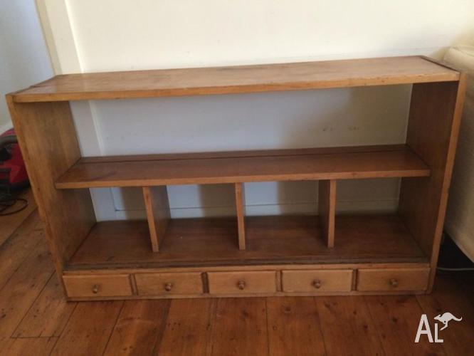 Vintage Pine Bookshelf Suitable For Desktop With Mini