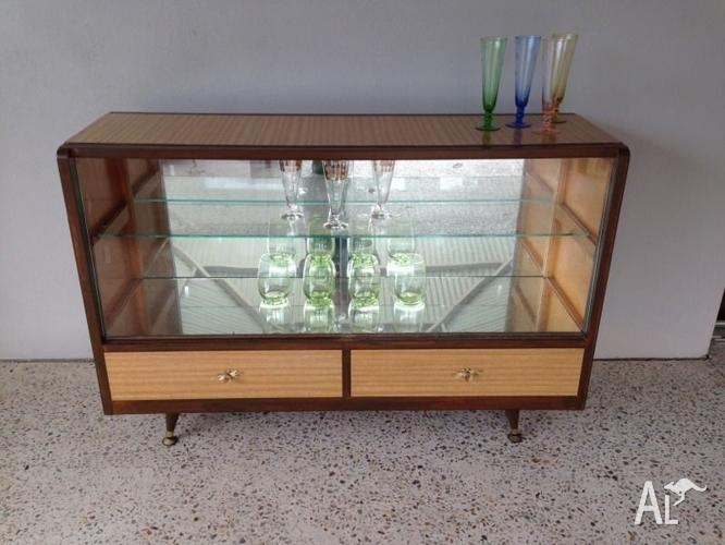 vintage retro danish style buffet sideboard drinks cabinet for sale in duncraig western. Black Bedroom Furniture Sets. Home Design Ideas