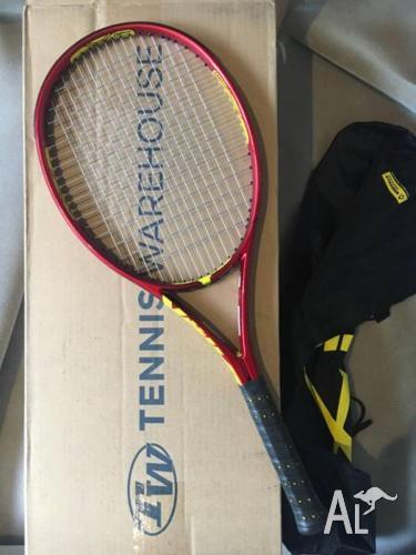 Volkl Super G 8 (315g) tennis racquet