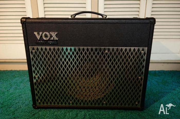 Vox Valvetronix Guitar Amp - Near new condition!